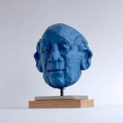 contemporary figurative portrait sculpture by ellen scobie